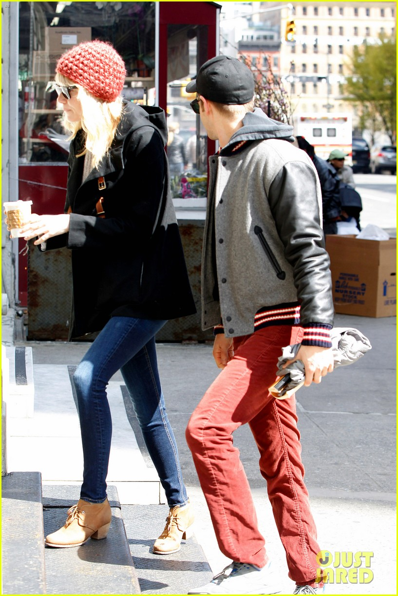 emma stone andrew garfield bubbys coffee couple 122855807