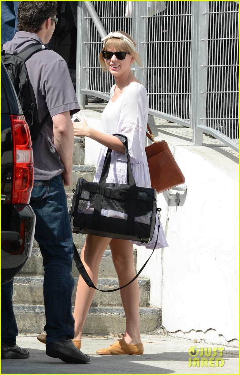 taylor swift miami arrival for red tour 172847135