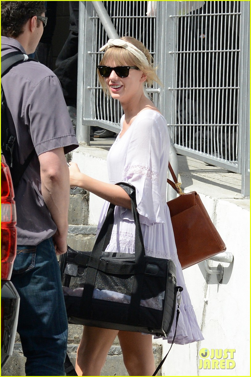 taylor swift miami arrival for red tour 182847136
