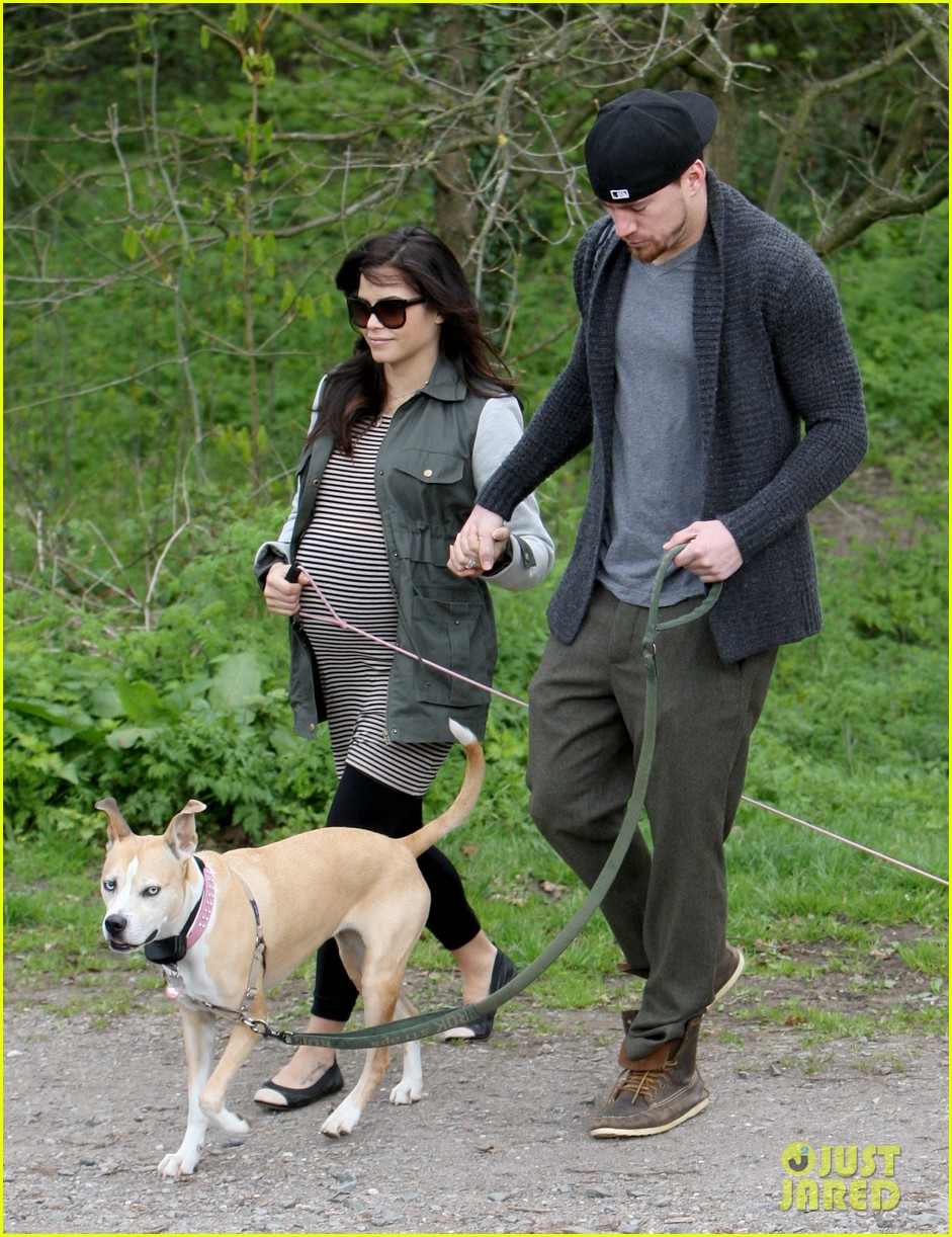 channing tatum pregnant jenna dewan london dog walk 14