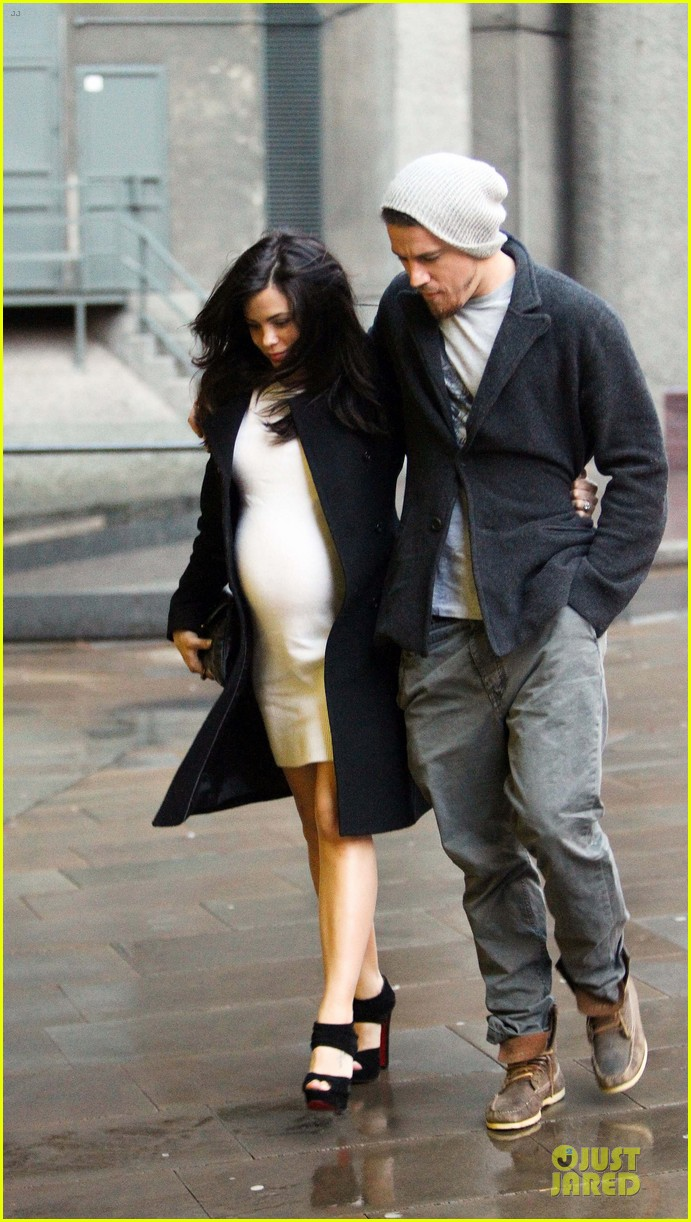 channing tatum pregnant jenna dewan white baby bump for dinner 092848414