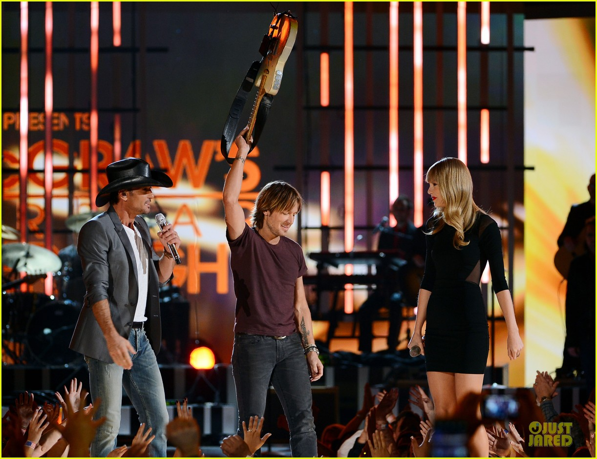 taylor swift tim mcgraw superstar summer night performer 16