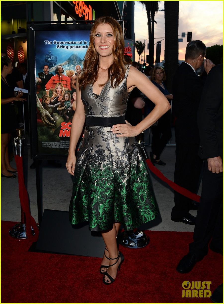 kate walsh ashley tisdale scary movie 5 premiere 10