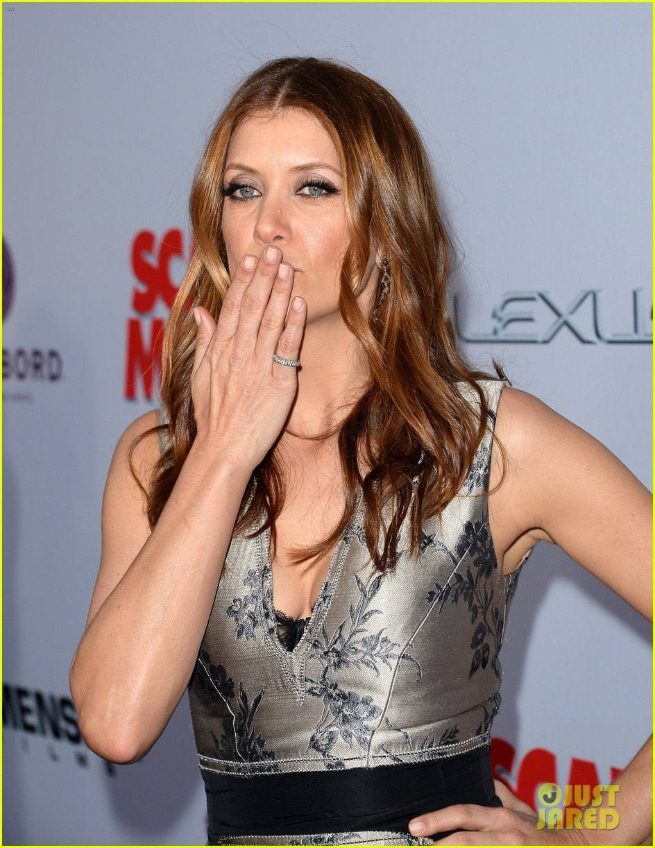 kate walsh ashley tisdale scary movie 5 premiere 15