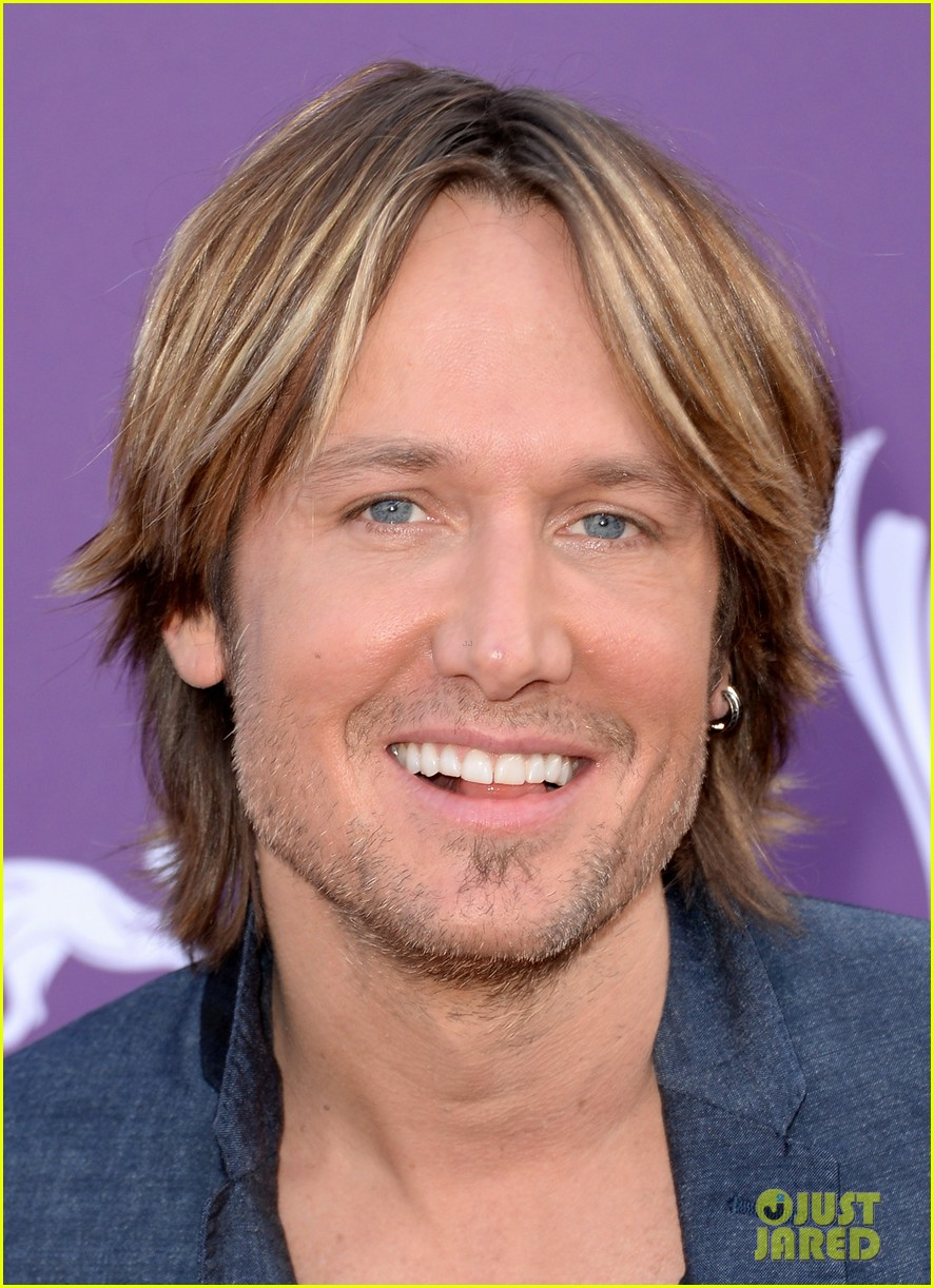 keith urban acm awards 2013 red carpet 04