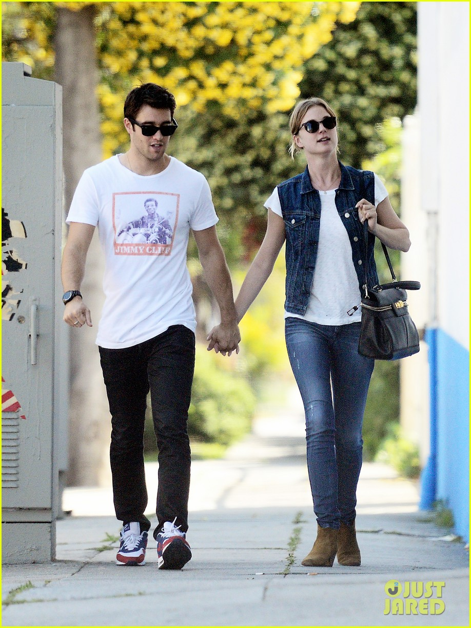 emily vancamp josh bowman saturday mercantile stop 012845333