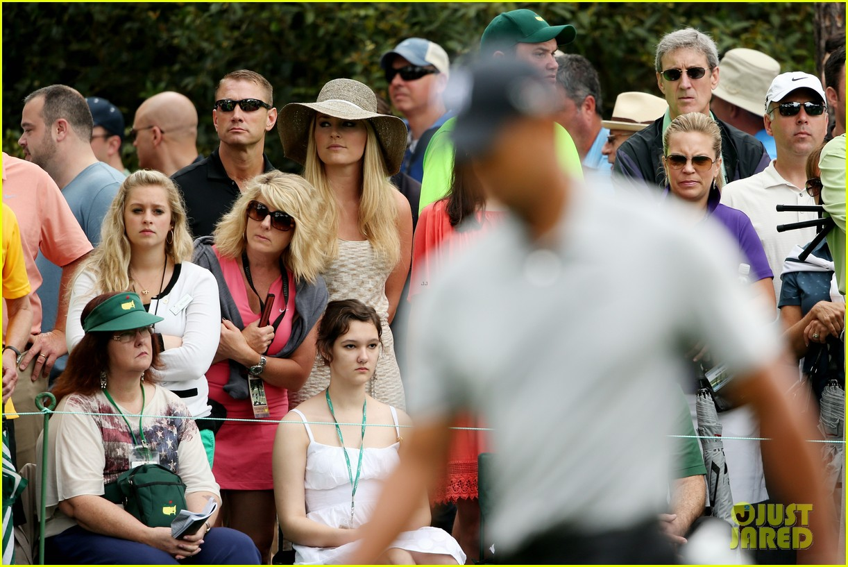 lindsey vonn cheers on tiger woods at masters tournament 16