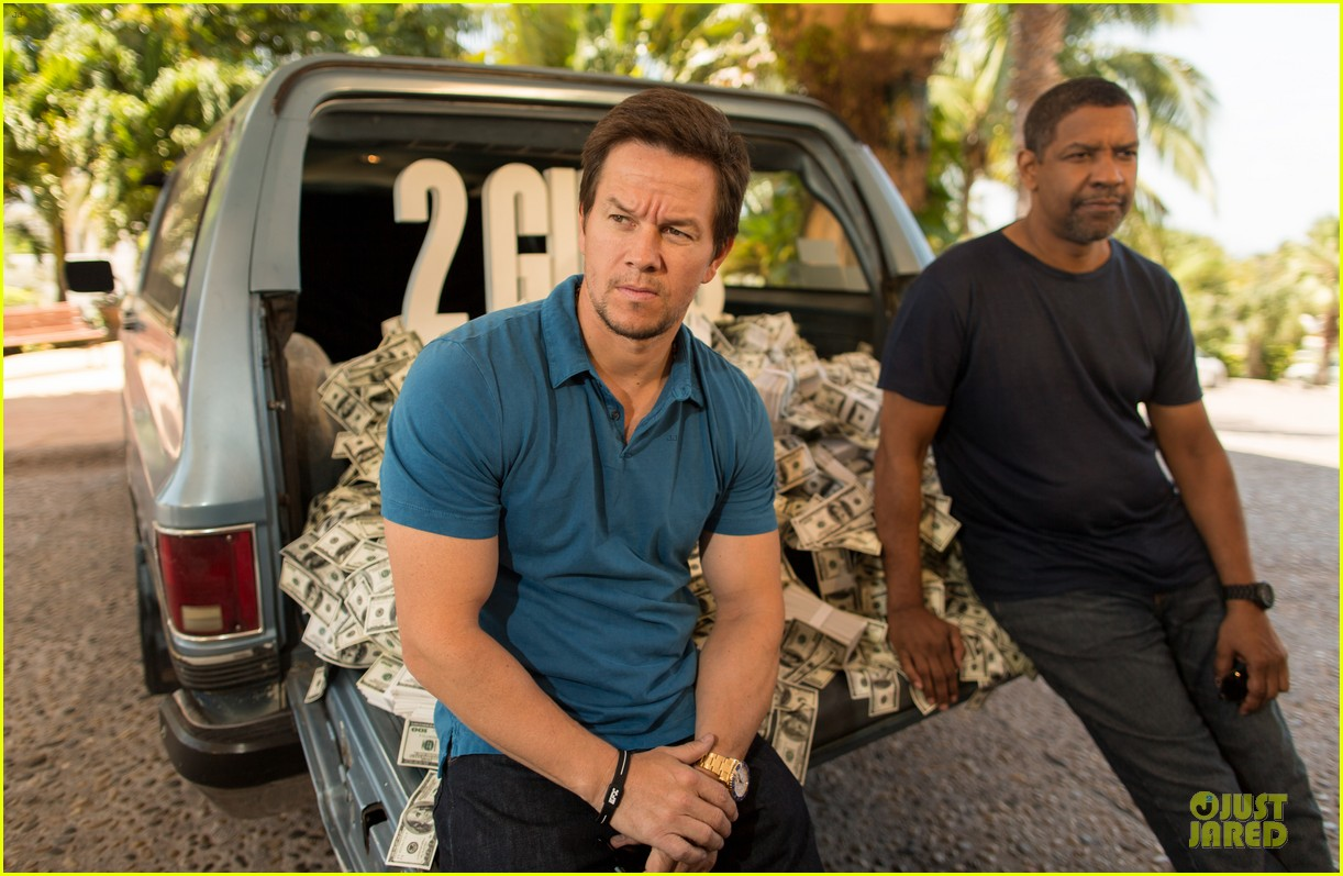 mark wahlberg denzel washington 2 guns mexican photo call 08