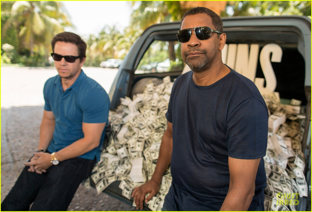 mark wahlberg denzel washington 2 guns mexican photo call 182854262