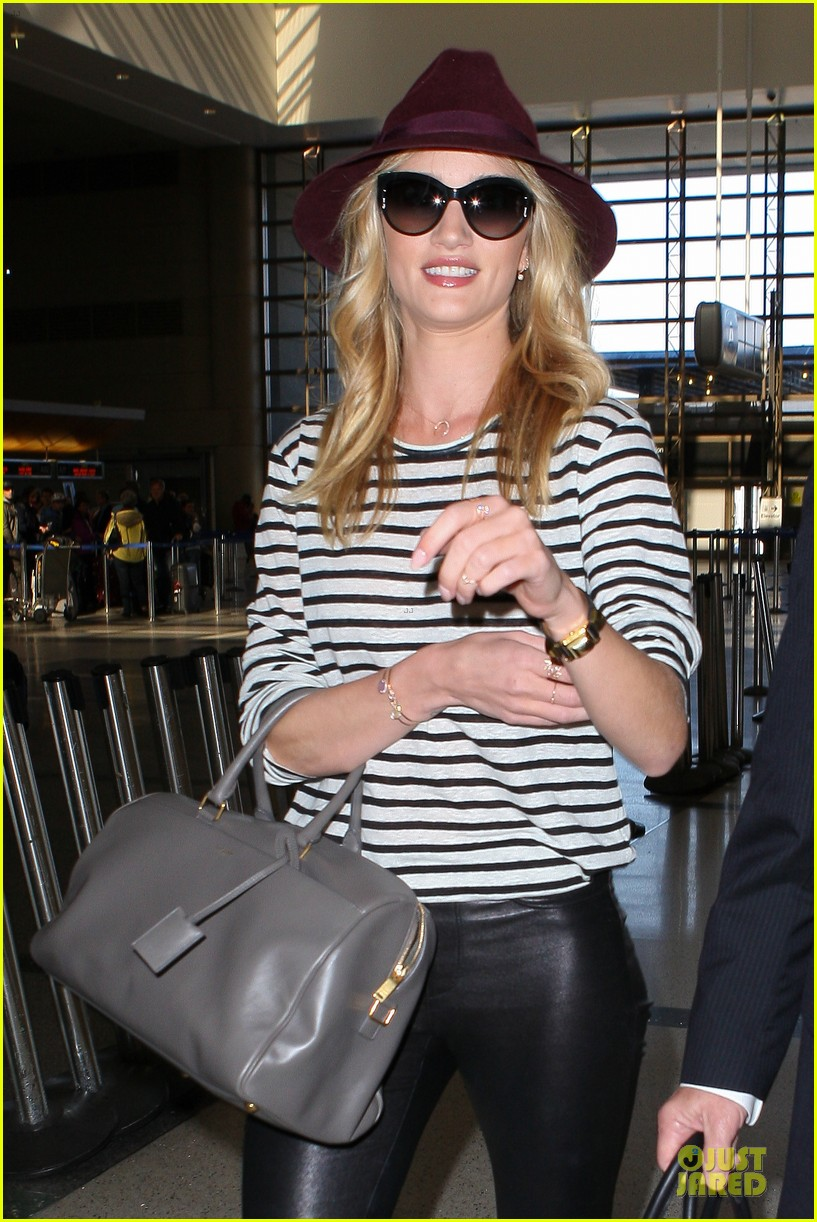 rosie huntington whiteley lax arrival after new orleans trip 19