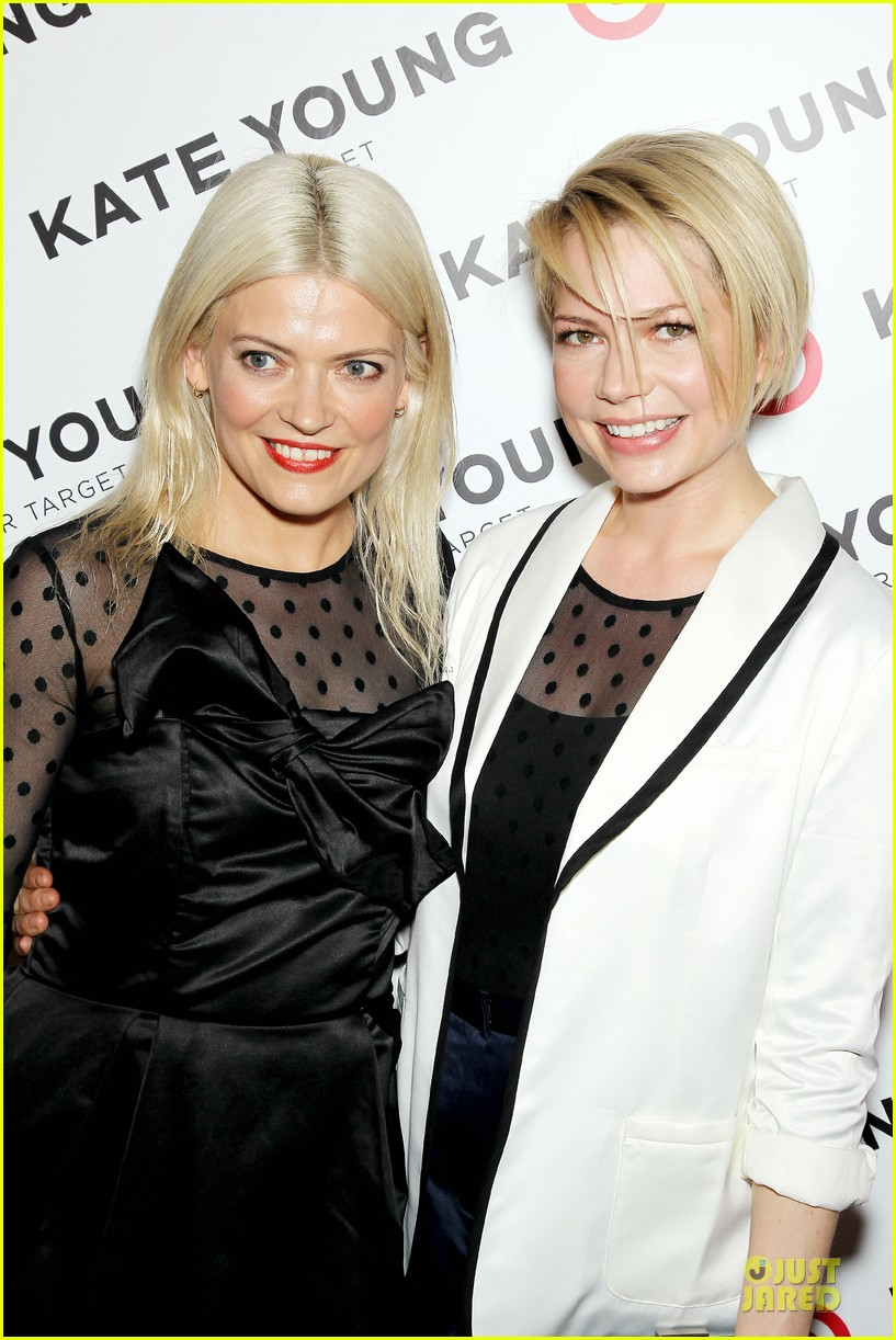 michelle williams haircut debut at kate young for target launch 04