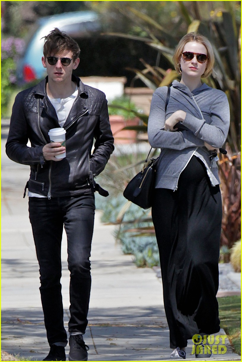 evan rachel wood baby bump stroll with jamie bell 082841419