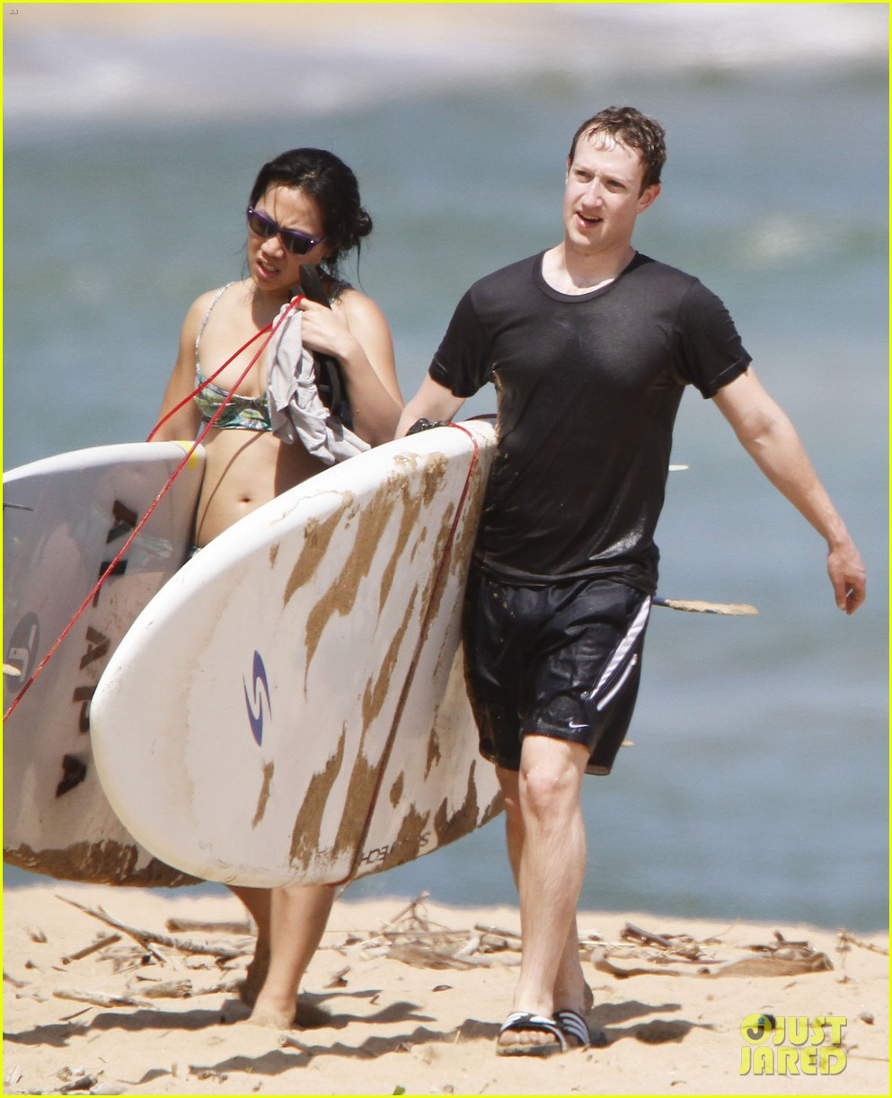mark zuckerberg priscilla chan surfing in hawaii 052858132