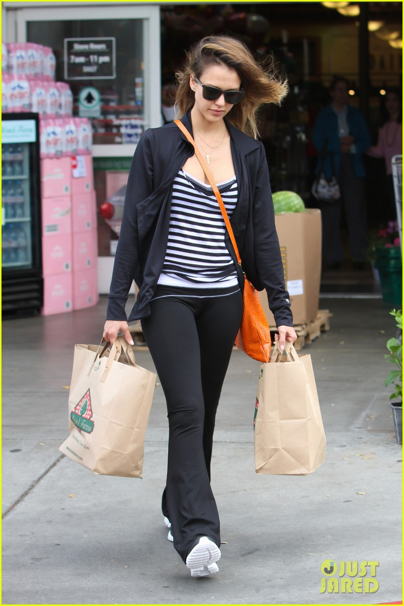 jessica alba honest life book signing in maryland 03