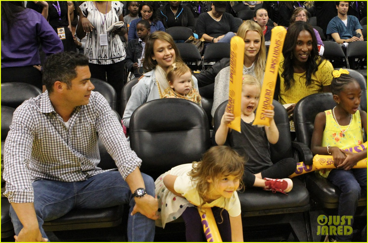 jessica alba cash warren attend la sparks game with the kids 07