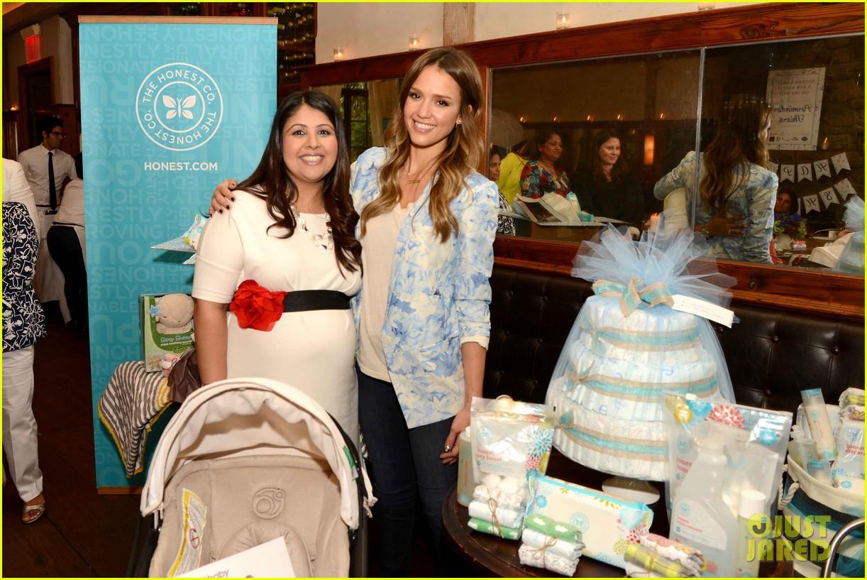jessica alba honest companys ultimate baby shower 042866645