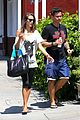 alessandra ambrosio shops at the brentwood country mart 05