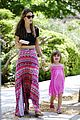 alessandra ambrosio shops at the brentwood country mart 08
