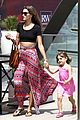 alessandra ambrosio shops at the brentwood country mart 15