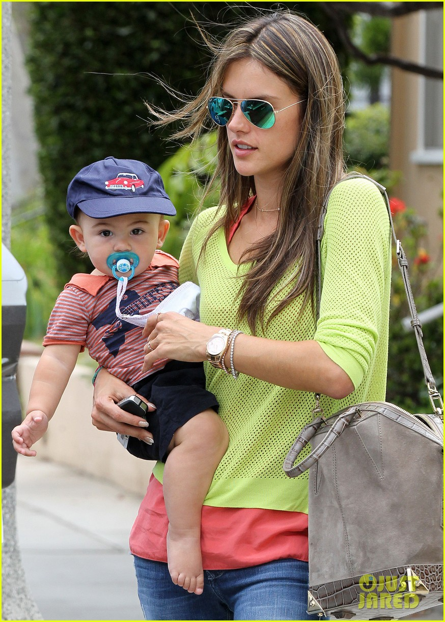 alessandra ambrosio happy early mothers day 02