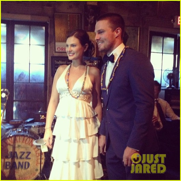 stephen amell cassandrea jean have second wedding 022878747