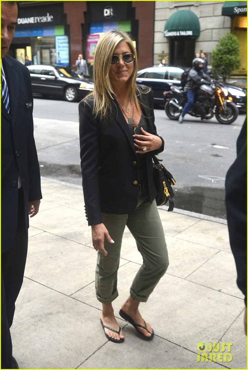 jennifer aniston talks rachel haircut 072867432