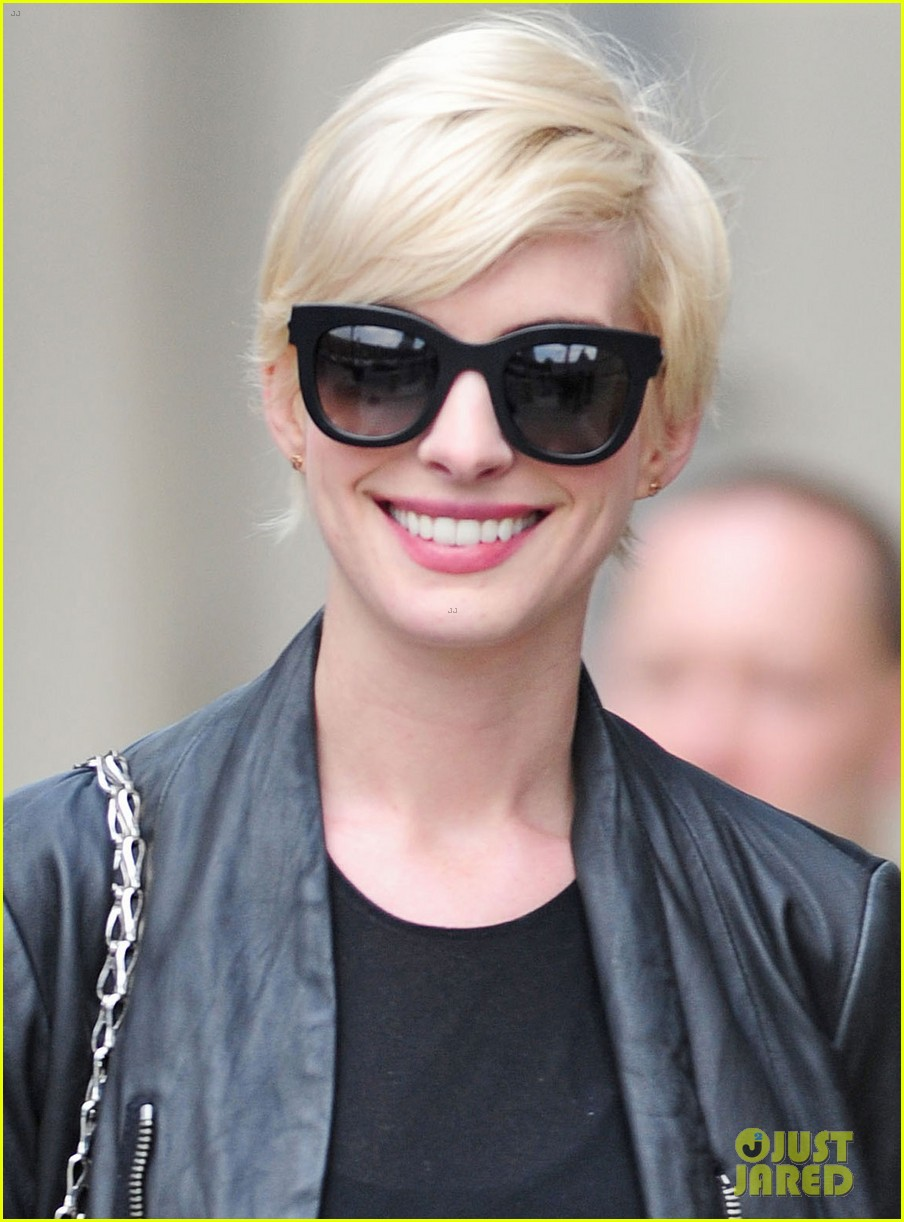anne hathaway debbie harry was my blonde hair inspiration 022868946