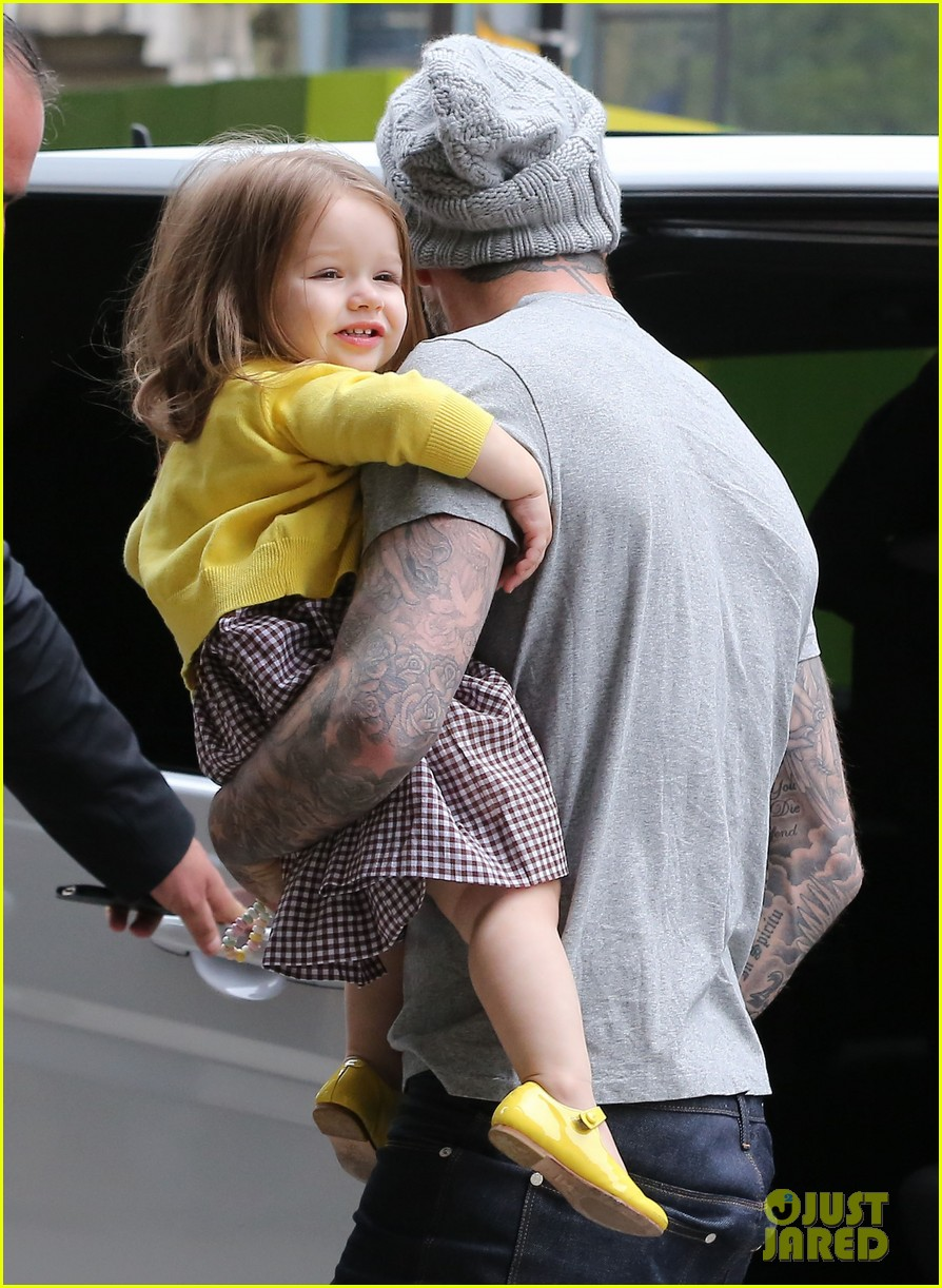 david victoria beckham shopping fun with harper 15