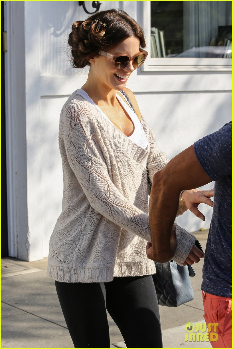 kate beckinsale byron tracey salon visit 092873251