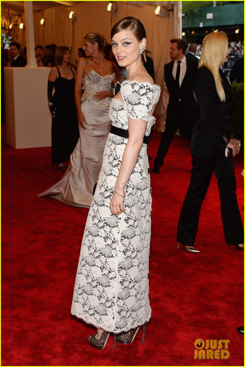 bella heathcote met ball 2013 red carpet 012865153
