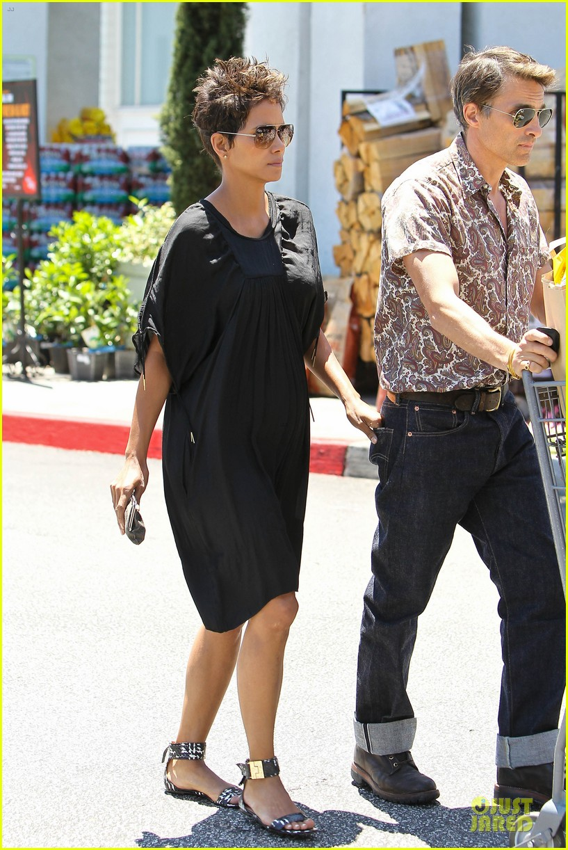 halle berry bel bambini shopping with nahla 14