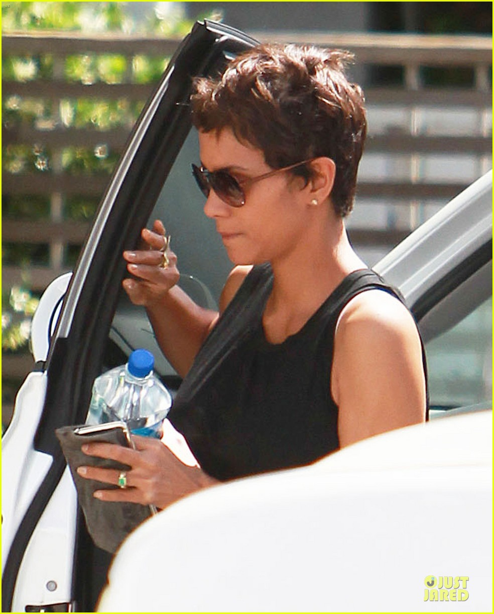 halle berry olivier martinez separate la outings 072863181