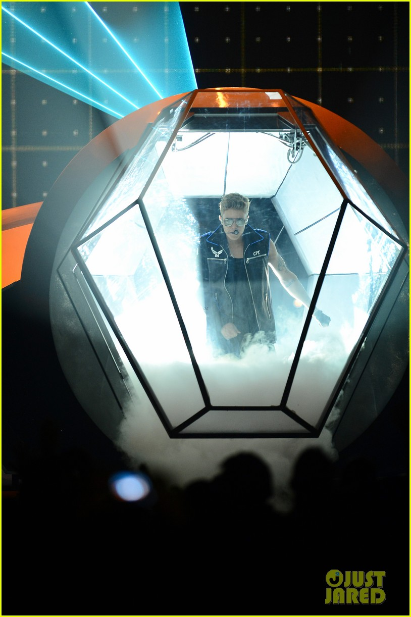 justin bieber billboard music awards 2013 performance video 152874194