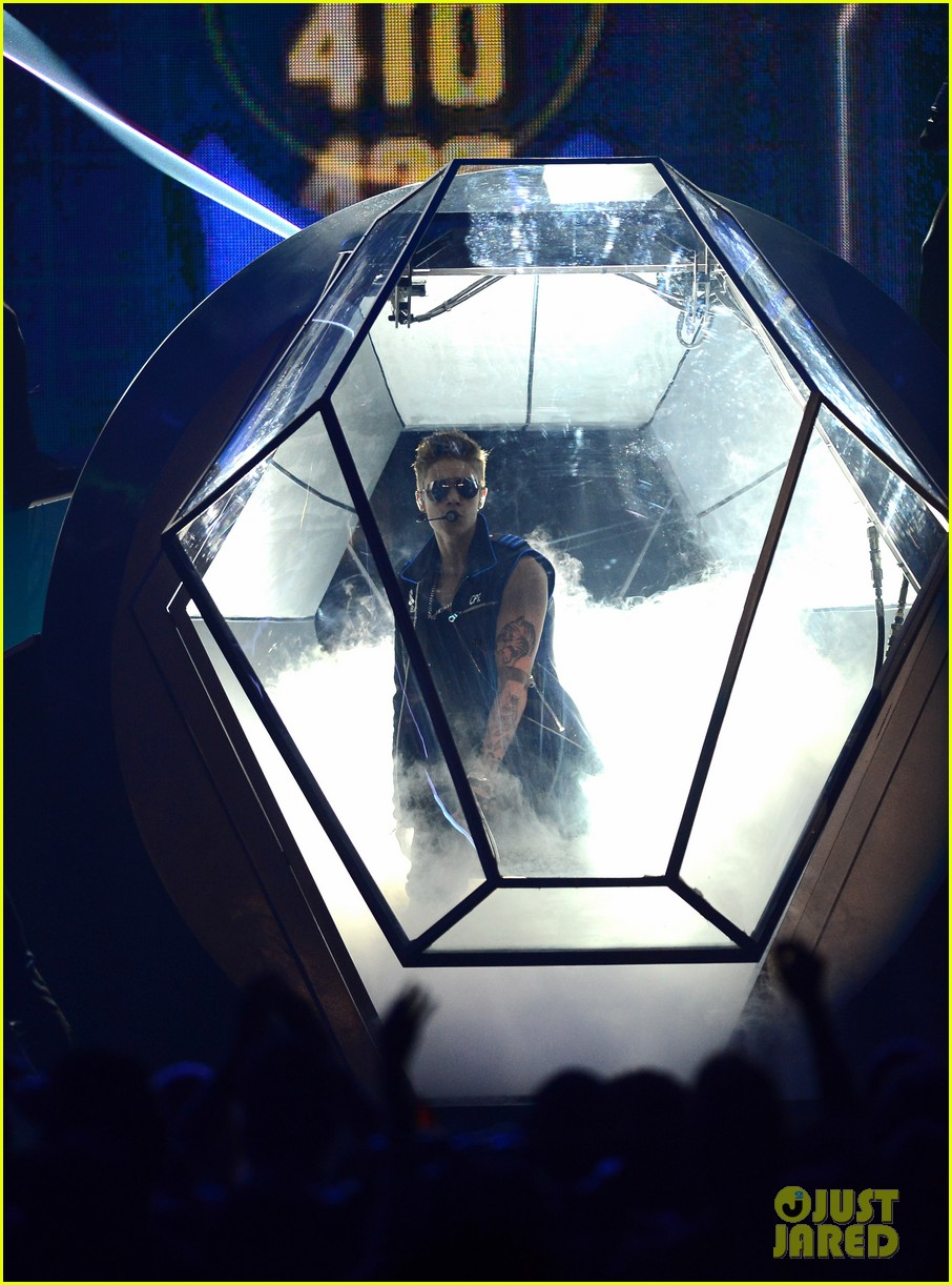 justin bieber billboard music awards 2013 performance video 162874195