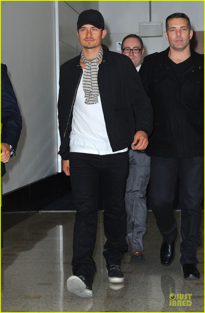 orlando bloom australia arrival after cannes 072879757