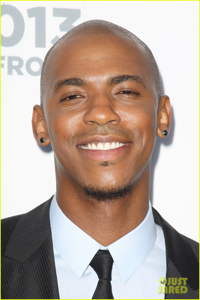 matt bomer aaron tveit usa upfront 2013 red carpet 12