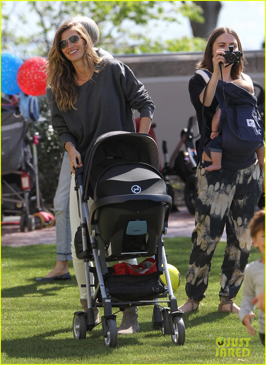 gisele bundchen plays with kids tom brady derby dude 122863805