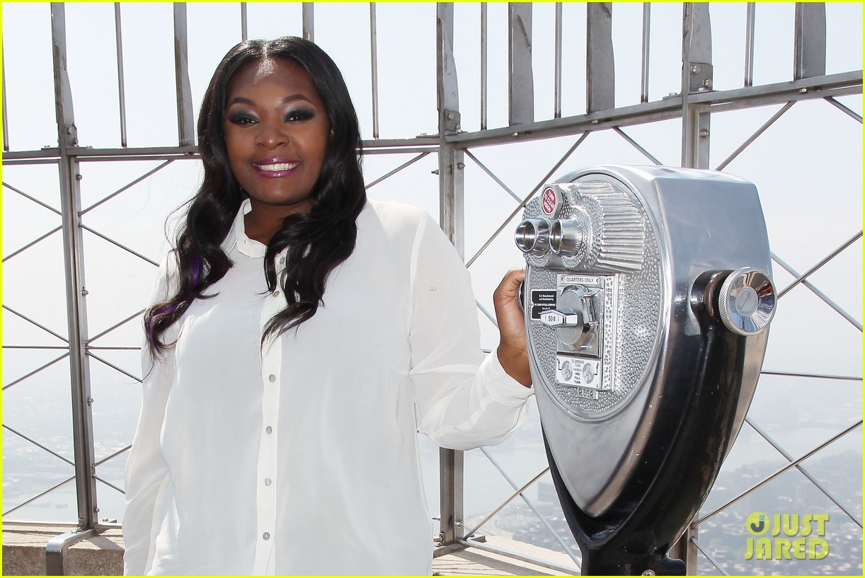 american idol winner candice glover visits empire state building exclusive quotes 272875615