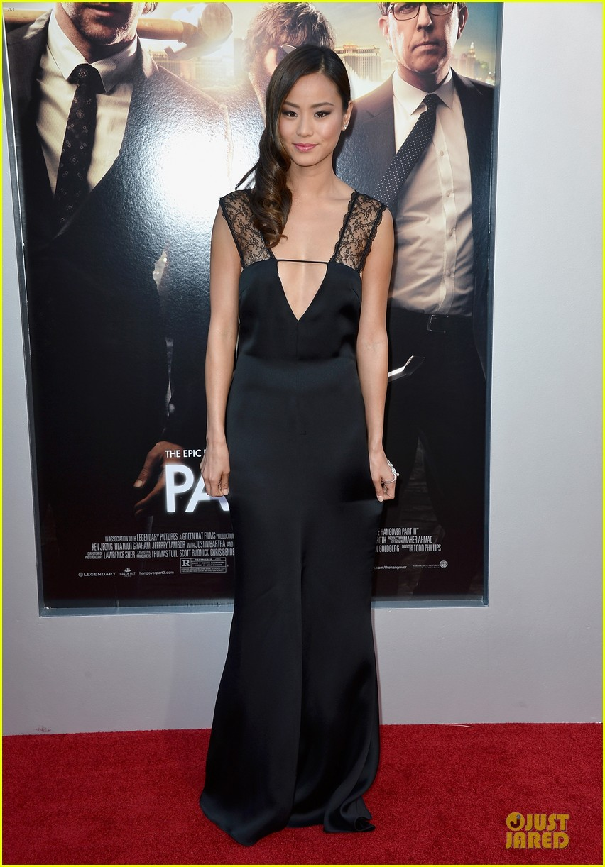 jamie chung naya rivera the hangover part iii premiere 01