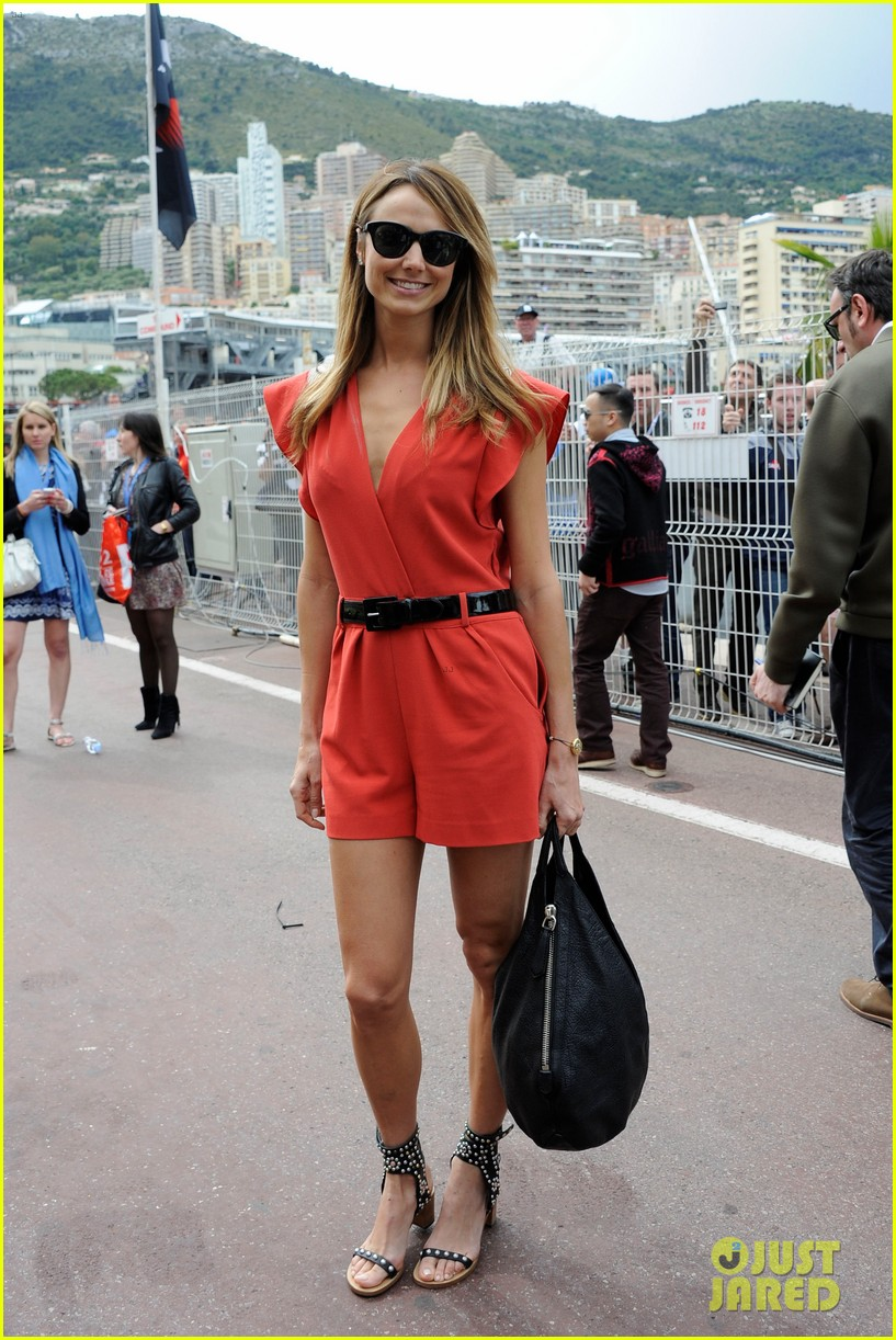 george clooney dines in london stacy keibler hits grand prix 01