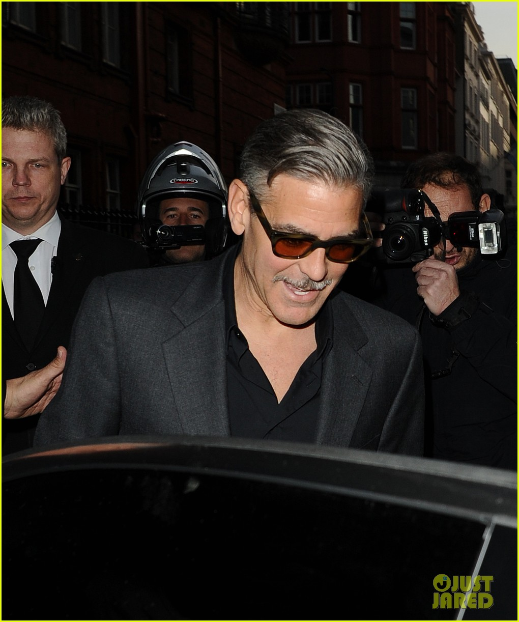 george clooney dines in london stacy keibler hits grand prix 13