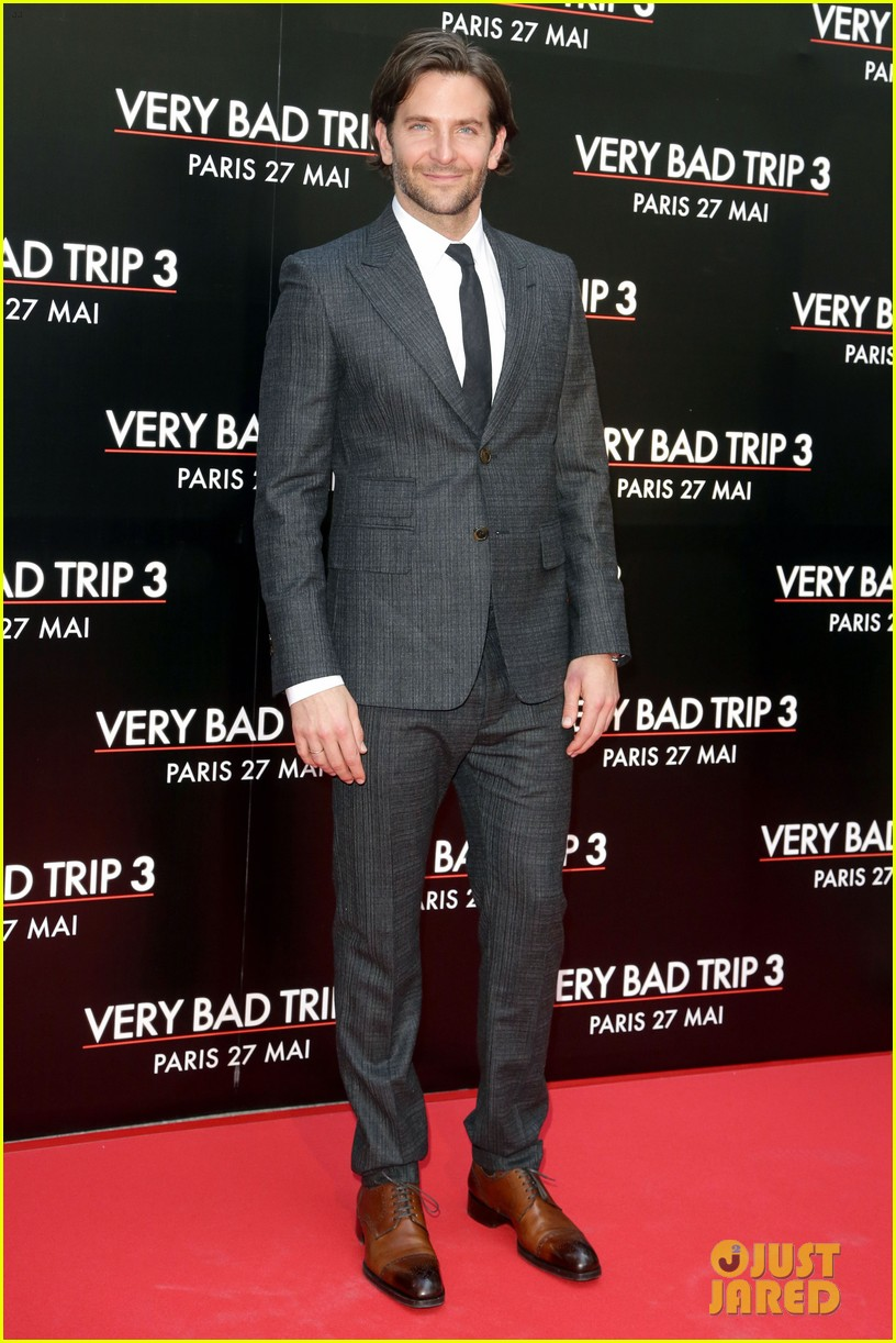bradley cooper hangover part iii paris premiere with cast 01