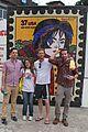 bradley cooper visits santa marta favela with ed helms 03