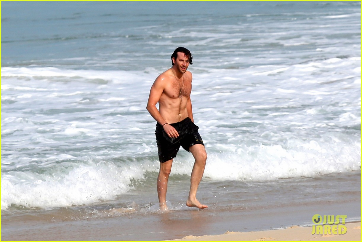 bradley cooper premieres hangover in rio swims shirtless 25