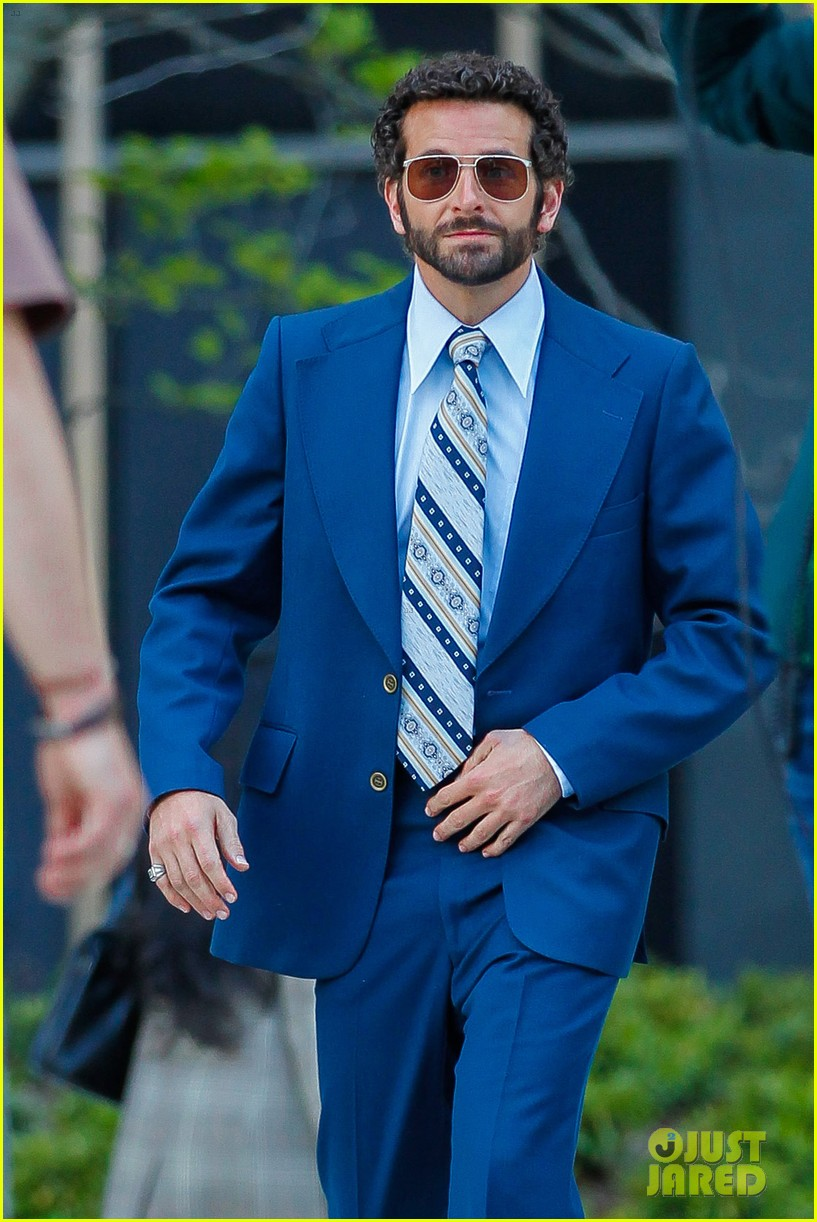 bradley cooper works out before filming american hustle 05