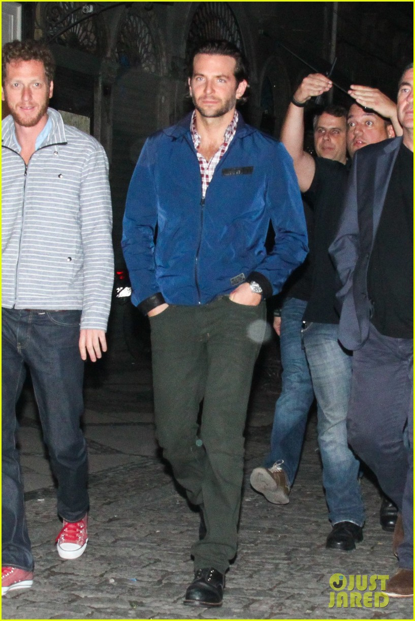 bradley cooper hangover night out with the cast 122880711