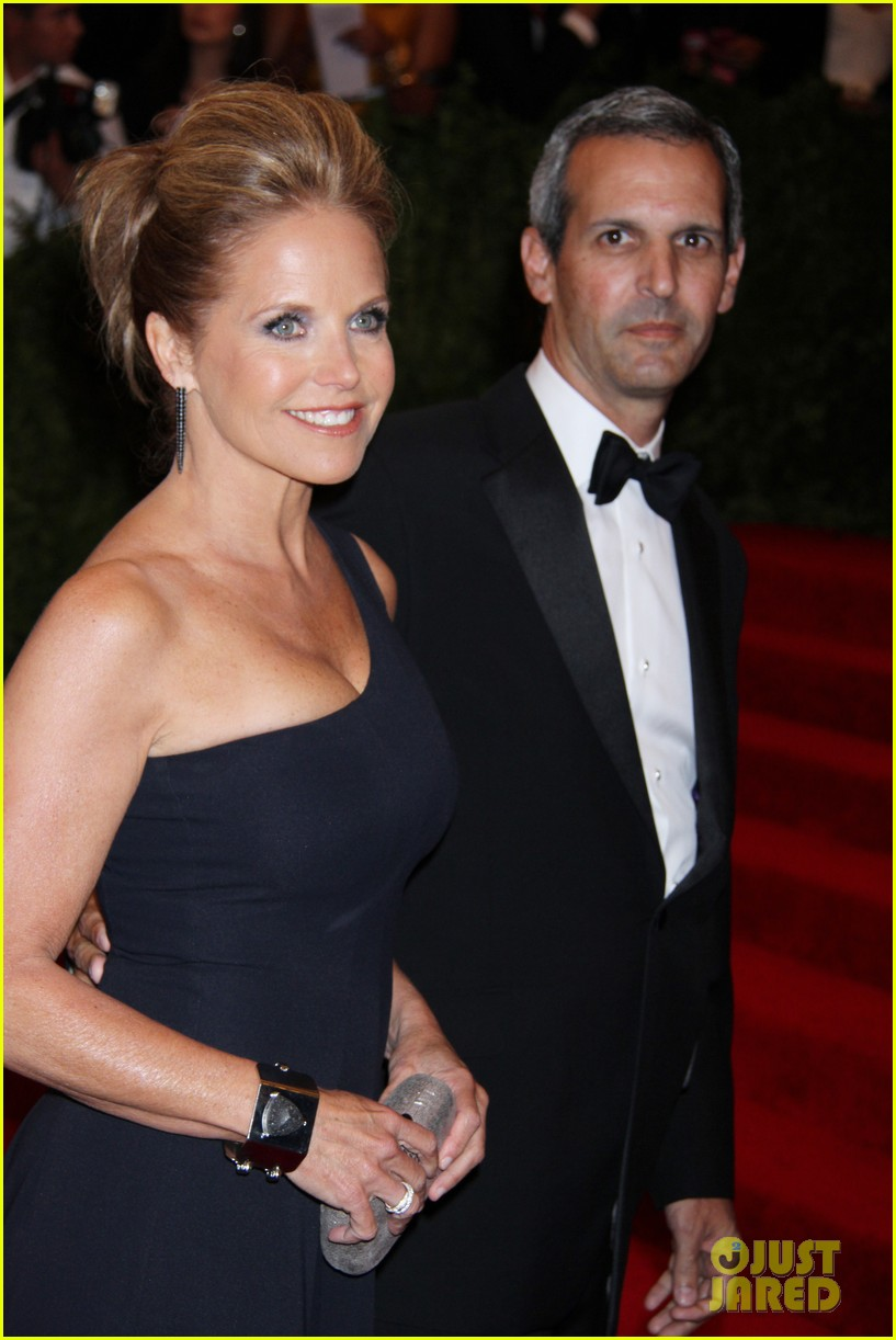 katie couric met ball 2013 red carpet with john molner 03