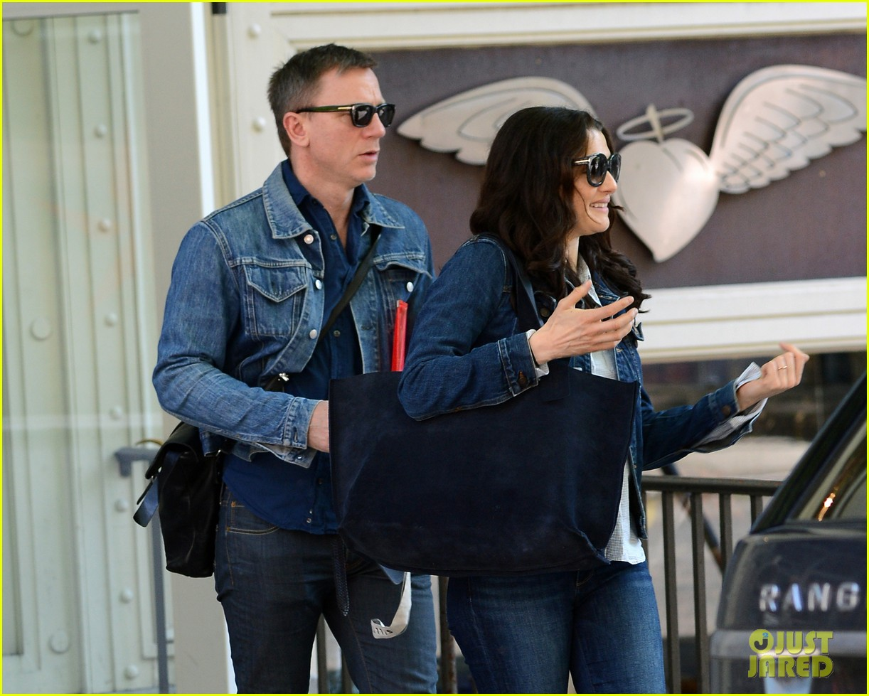 daniel craig rachel weisz denim jacket duo 152867885