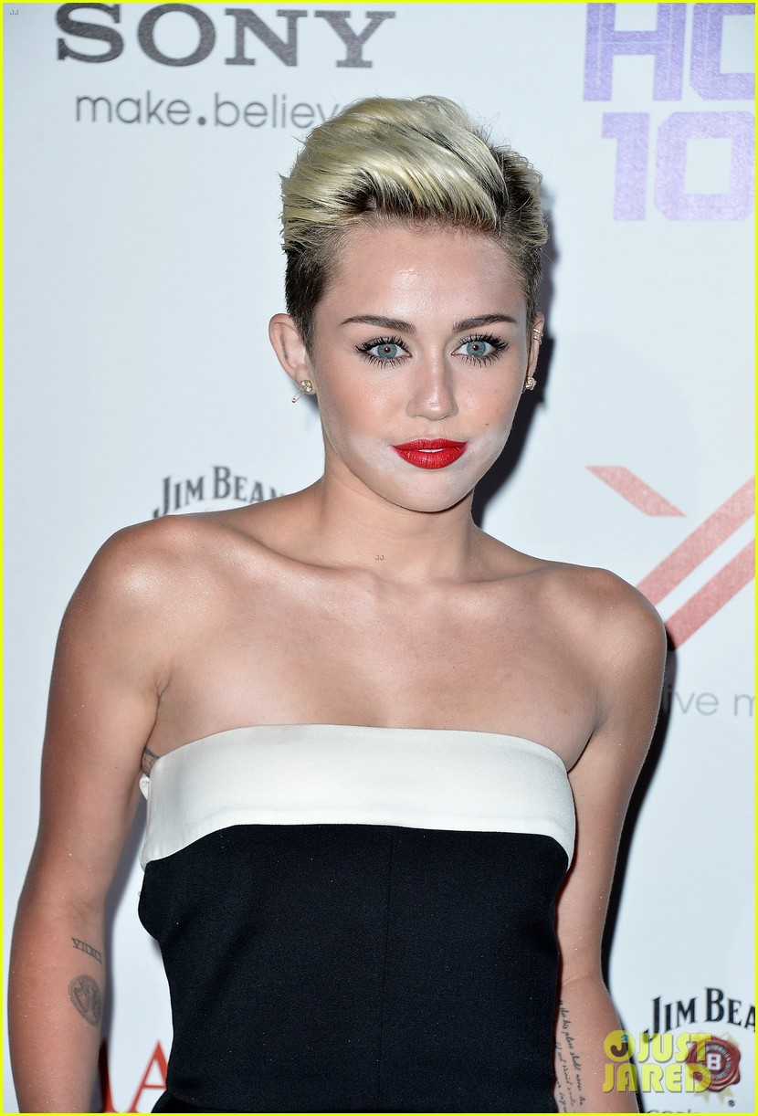 miley cyrus maxim hot 100 party 06