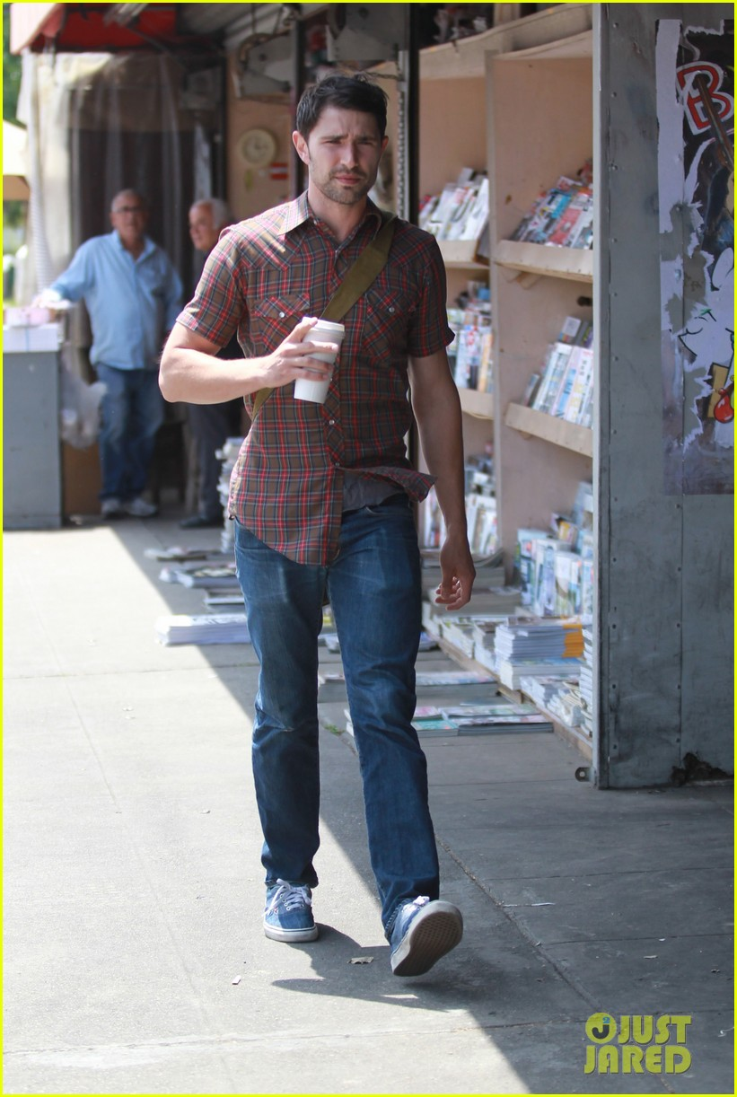 matt dallas gets caffeinated at kings road cafe 02